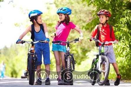 Как выбрать первый велосипед с педалями для ребенка 4-10 лет
